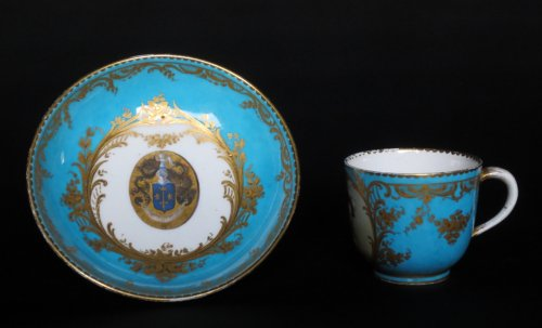 18th century - Sèvres porcelain cup and saucer, 18th century