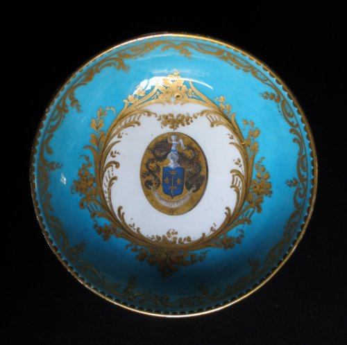 Louis XVI - Sèvres porcelain cup and saucer, 18th century