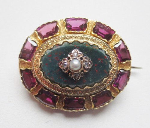 Broche en or Jaspe sanguin, diamants et perles - Anne Besnard
