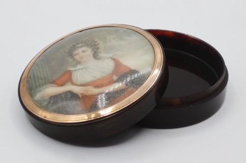 18th century - Tortoiseshell box, miniature signed Guerin