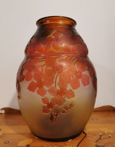 """Glass & Crystal  - Emile Gallé - Vase """"with clematis"""""""
