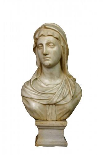 17th Century Baroque Roman Marble Vestal Buste