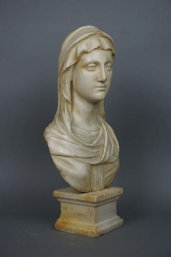 Sculpture  - 17th Century Baroque Roman Marble Vestal Buste