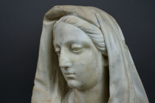 Sculpture  - 17th century Tuscany School -  Bust of the Virgin