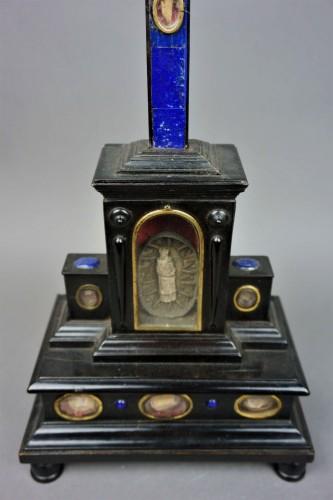 17th century - Cross Reliquary Gilt Bronze Lapis lazuli Italy 17th