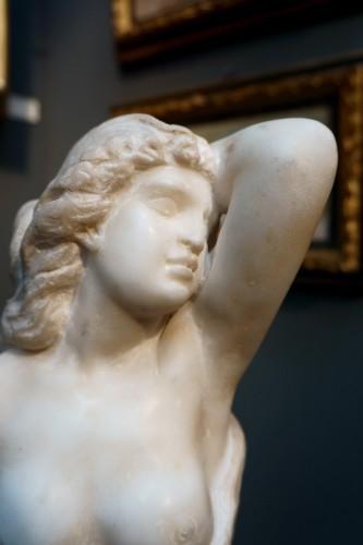 17th century - 17th Century Italian Marble Cleopatra Bust
