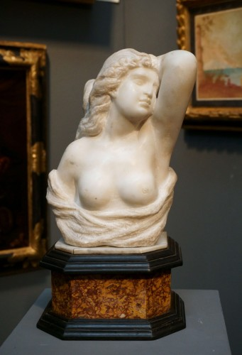 Louis XIV - 17th Century Italian Marble Cleopatra Bust