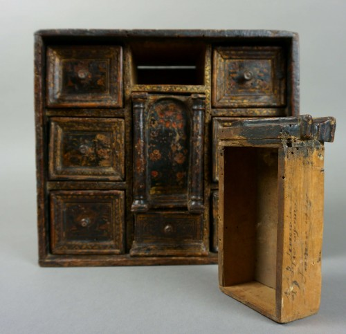 <= 16th century - Lacquered Venetian Cabinet Persian Decor late 16th century
