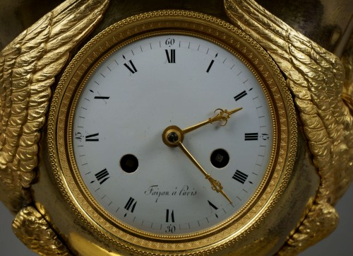 Clocks  - 19th Century Empire period gilt bronze vase mantel clock with char of love