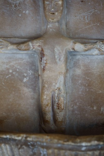VIII-IX Century Early Middle Ages Lombard Carved Alabaster Font - Religious Antiques Style Middle age