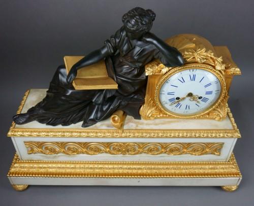 19th century - Early 19th Century Imposing Bronze à la Geoffrin Clock Henri Picard