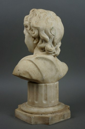 17th Century, Italian Baroque Marble Bust Portrait Of Boy - Louis XIV