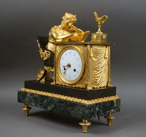 """Empire period clock """"La Liseuse"""" Gilt Bronze - Clocks Style Empire"""