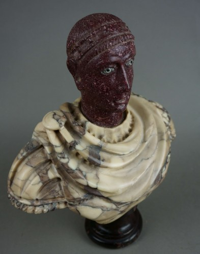 Antiquités - 18th century polychrome marble and porphyry Roman emperor bust