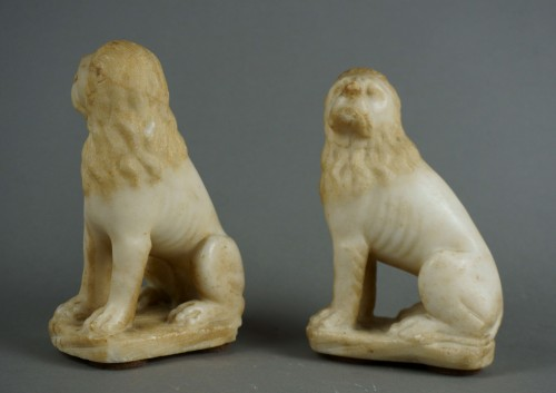 Curiosities  - 16th century Renaissance Carved Marble Pair of Lion
