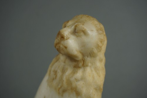 16th century Renaissance Carved Marble Pair of Lion - Renaissance