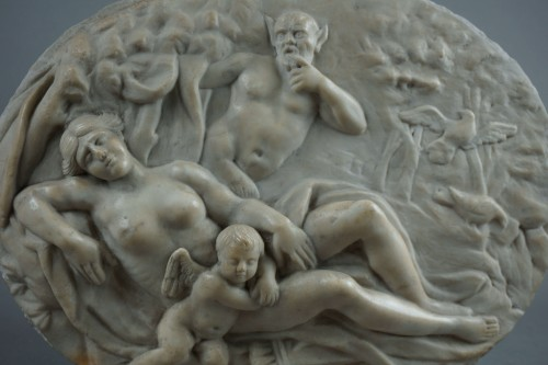18th century - Venus and Cupid - High relief in Marble, Rome Neoclassical period