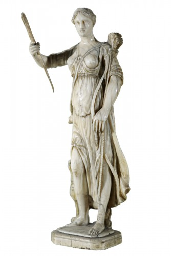 Diane - 17th century Ivory sculpture