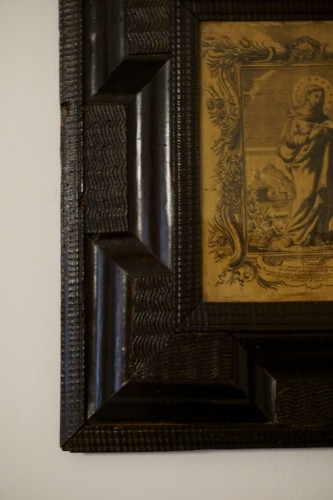 17th Italy Silk Engraving in Guilloche Molded Frame - Religious Antiques Style Louis XIV