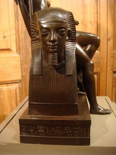 """Antiquités - Bronze sculpture """"Egyptian"""" by LJ Franceschi"""
