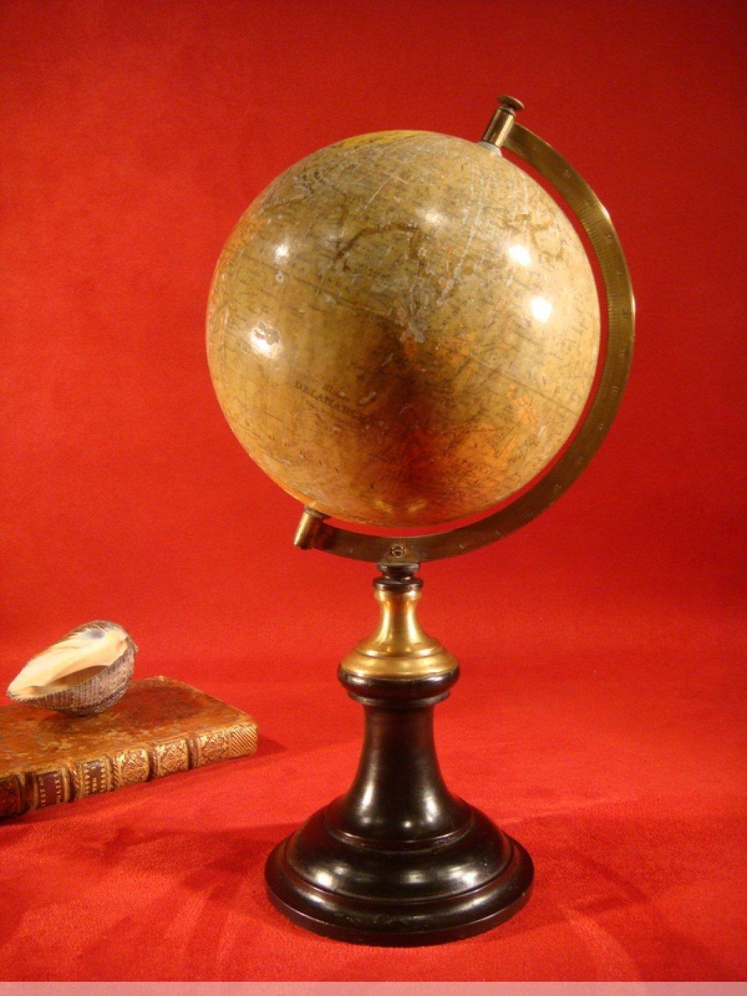 petit globe terrestre de la maison delamarche xixe. Black Bedroom Furniture Sets. Home Design Ideas