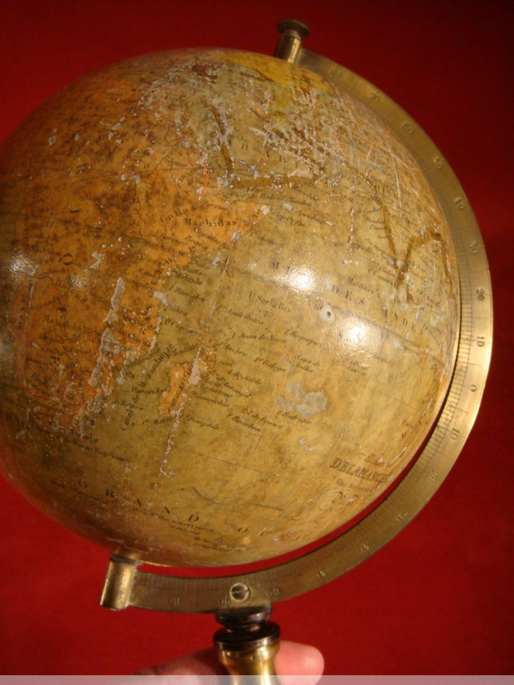 petit globe terrestre de la maison delamarche xixe si cle. Black Bedroom Furniture Sets. Home Design Ideas