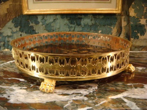 A lacquer and bronze Table centerpiece -