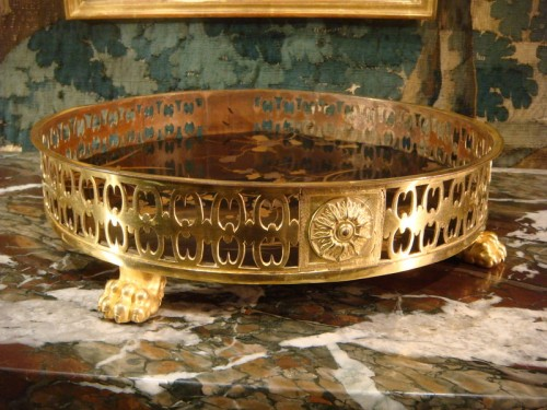 19th century - A lacquer and bronze Table centerpiece