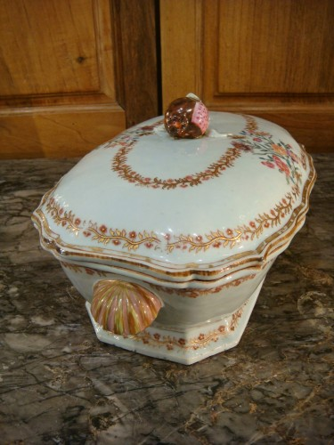 18th century - Porcelain terrine from the Compagnie des Indes - 18th century