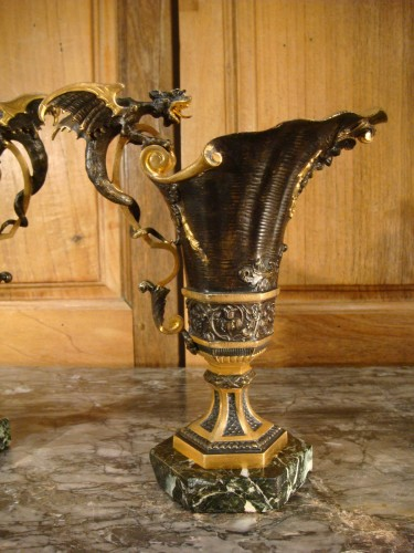 Napoléon III - Pair of Hanaps with winged dragons in bronze