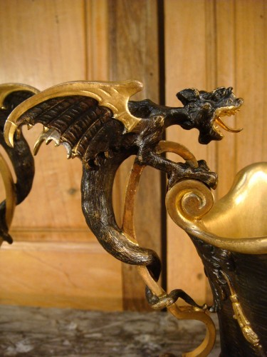 Antiquités - Pair of Hanaps with winged dragons in bronze