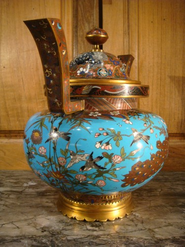 Covered Cloisonne Vase with Partridges - Japan Meiji Period -