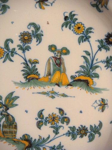 Pair of large Moustiers earthenware plates 18th century - Louis XV