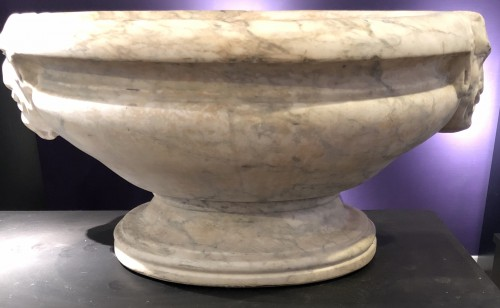 Decorative Objects  - A marble wine-cooler