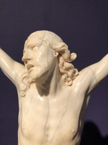 Sculpture  - Ivory Christ 17th century