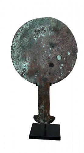 Etruscan mirror .