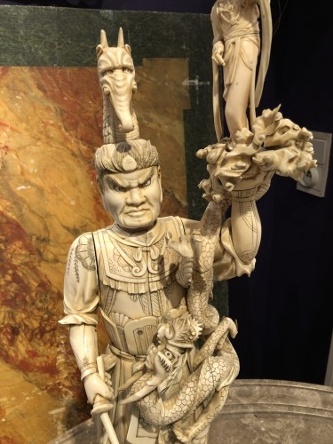 19th century - An exceptionally large Japanese okimono of a warlord