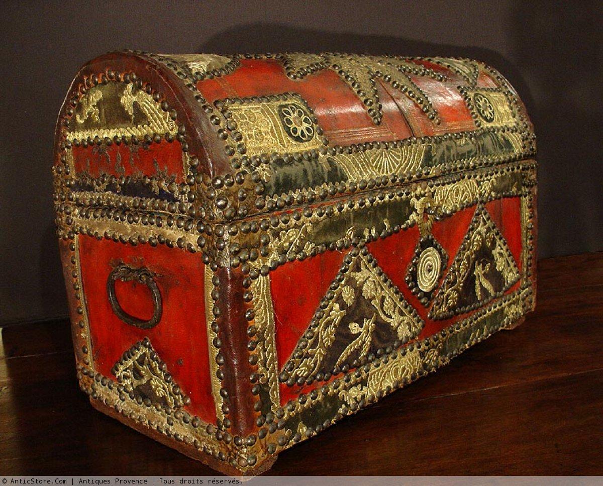 Coffre espagnol style renaissance xixe si cle for Decoration espagnol