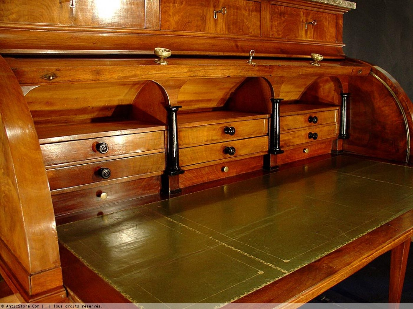 bureau cylindre fin xviiie poque directoire. Black Bedroom Furniture Sets. Home Design Ideas