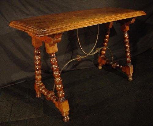 17th C. Spanish walnut console