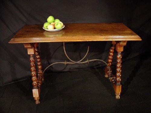 Furniture  - 17th C. Spanish walnut console