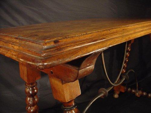 17th C. Spanish walnut console - Louis XIII