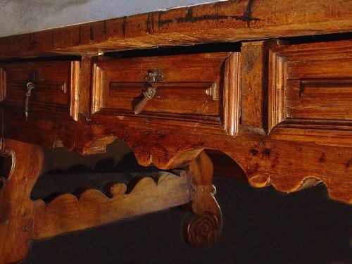Antiquités - 17th Spanish Desk, double face