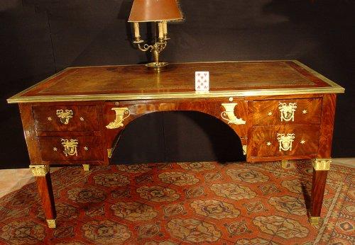 Late 18th century Directoire bureau plat