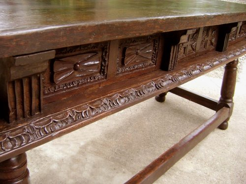 Large17th C. table console Spain - Furniture Style Louis XIII