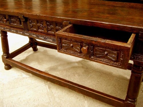 Furniture  - Large17th C. table console Spain
