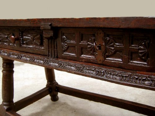 Louis XIII - Large17th C. table console Spain