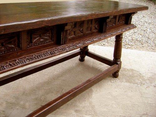Antiquités - Large17th C. table console Spain
