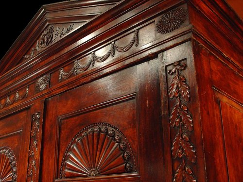 Armoire Anglaise Georges III - vers 1780 - Antiques Provence