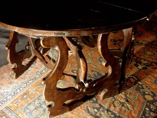 17th C.Tuscan demi-lune consoles table -
